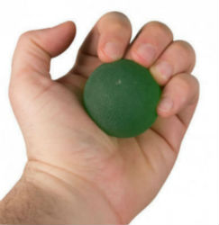 esercizi mani con la pallina