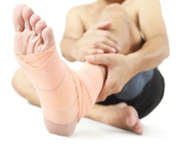 distorsione caviglia: bendaggio