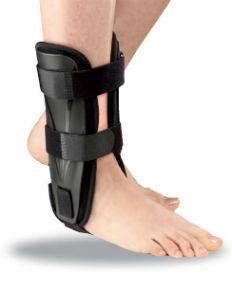tutore rigido per la caviglia