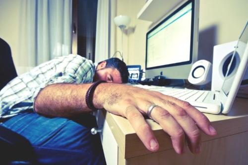 limitare l'uso del pc prima di dormire